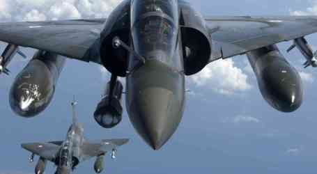 SEJUMLAH 12 JET TEMPUR PERANCIS BOMBARDIR MARKAS ISIS