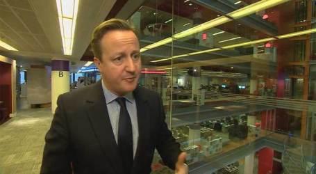 Cameron Ancam Deportasi Perempuan Muslim yang Tidak Berbahasa Inggris
