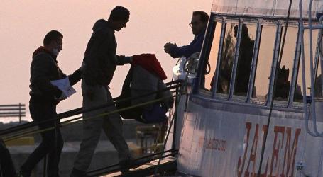 Gelombang Pertama Migran yang Dipulangkan Tiba di Turki