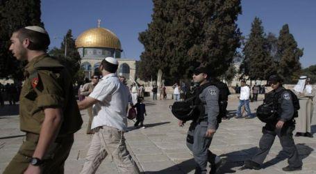 Sebanyak 131 Pemukim Ilegal dan Intelijen Israel Serbu Al-Aqsha