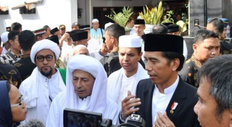 Jokowi: Umat Islam di Indonesia Harus Tunjukkan Persatuan