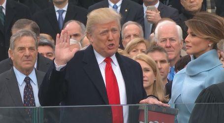 Donald Trump Resmi Dilantik Sebagai Presiden AS Ke-45