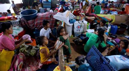 Ribuan Kantong Beras untuk Korban Konflik Marawi