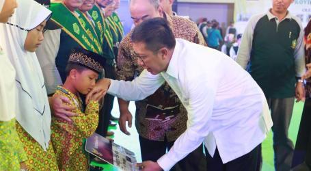 Menag Salurkan KIP pada 14.780 Siswa Madrasah di Yogyakarta