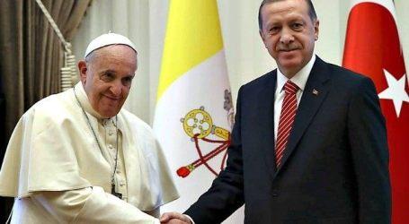 Erdogan Telepon Paus Fransiskus Bicarakan Yerusalem