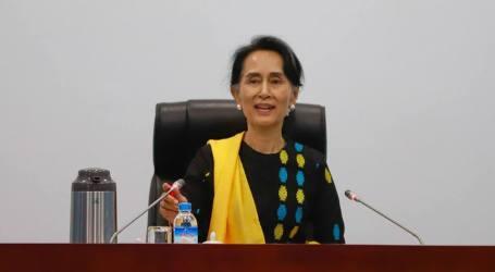 Kantor Kepresidenan Bantah Suu Kyi Alami Kelumpuhan