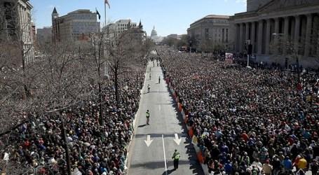 Ratusan Ribu Orang Berunjuk Rasa di AS Tuntut Pengendalian Senjata