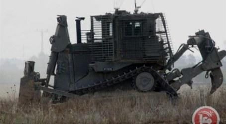 Buldoser Israel Ratakan Lahan Palestina di Perbatasan Gaza