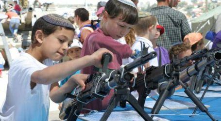 Israel Latih Anak-Anak Pemukim Gunakan Senjata