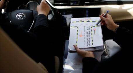 Mengemudikan Kendaraan Sebelum 24 Juni, Wanita Saudi Bisa Didenda