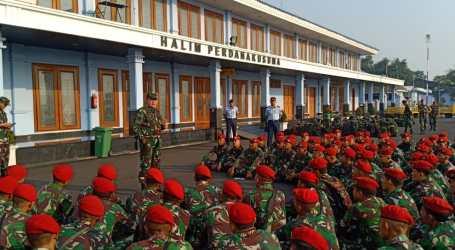 TNI Kerahkan 142 Kopassus Evakuasi Wisatawan Terjebak di Gunung Rinjani