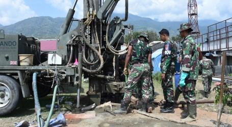 TNI Bangun Sumur Bor untuk Pengungsi Dekat Stadion Gawalise Palu