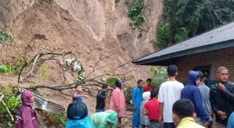 Banjir Landa Sumatera, Dua Orang Meninggal Dunia