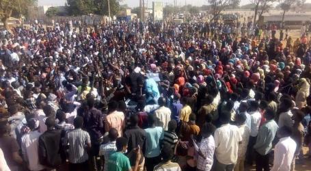 Warga Sudan Demo Kenaikan Harga, Puluhan Terluka