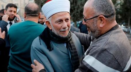 Polisi Israel Tangkap Ulama Senior Al-Aqsha