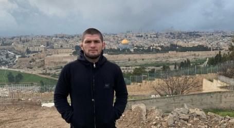 Khabib Nurmagomedov Ziarahi Kota Suci Al-Quds dan Masjid Al-Aqsa