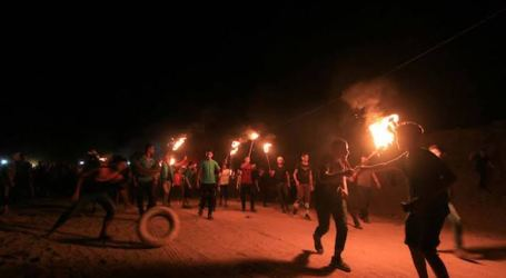 Pemuda Gaza Kembali Lakukan Aksi Malam Kebingungan