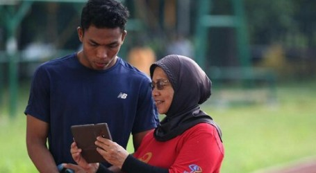 Eni Nuraini Wanita Tua Berjilbab, Pelatih Atletik Terbaik Asia