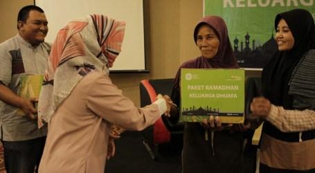 Jutawan Moment-IZI Jateng Salurkan Paket Ramadhan Bagi Para Perempuan Tangguh