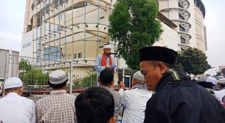 Jama'ah Muslimin (Hizbullah) Jakbar Shalat Id di Parkiran Roxy Square