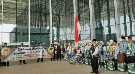 Jamaah Haji Indonesia Kloter Pertama Mendarat di Madinah