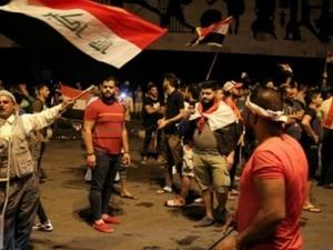 Ribuan Pengunjuk Rasa Irak Kembali Protes di Zona Hijau