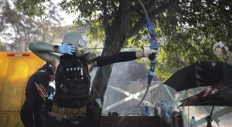 "Perlawanan Pemrotes di ""Benteng"" Universitas Politeknik Hong Kong"
