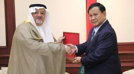 Menhan Prabowo Terima Kunjungan Dubes AS, Dubes Saudi