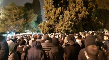 Ribuan Jamaah Shalat Jumat di Masjid Al-Aqsa
