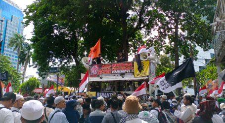 Massa Aksi 'Berantas Mega Korupsi' Protes Jalan ke Istana Ditutup
