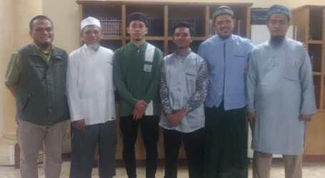 Ponpes Al-Fatah Lepas Dua Santrinya Belajar di Universitas Islam Gaza