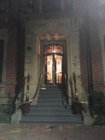 Love the steps and doorway.