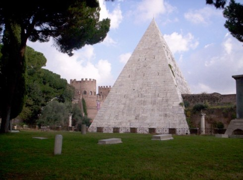 piramide_cestia