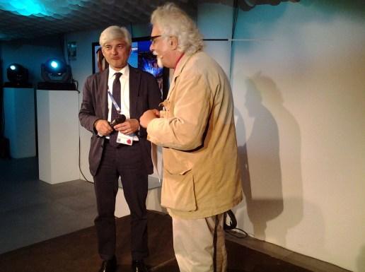 Patrizio Roversi con il presidente della Provincia Alessandro Pastacci