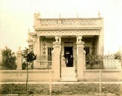I coniugi Bisighini nella loro residenza di Buenos Aires