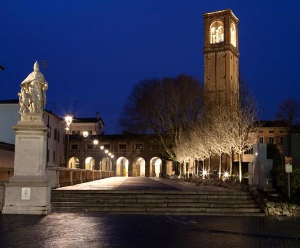La-nuova-illuminazione-delle-Pescherie-di-Giulio-Romano-a-Mantova-foto-Gaia-Cambiaggi-1.jpg
