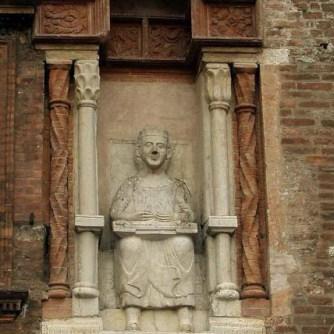 Mantova - Virgilio in cattedra - piazza Broletto