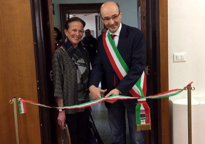 Angiolina Radici Perrotta e il sindaco Claudio Terzi 1.jpg