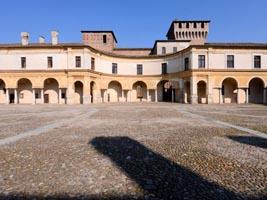 Mantova - Piazza Castello