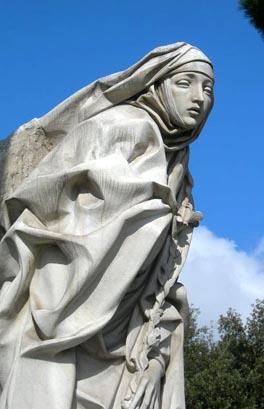 statua di s.ta Caterina da Siena