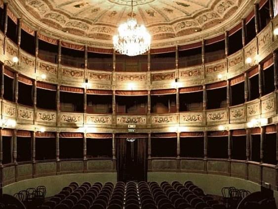 teatro comunale Mauro Pagano di Canneto sull'Oglio copia.jpg