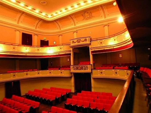 interno del teatro Anselmi
