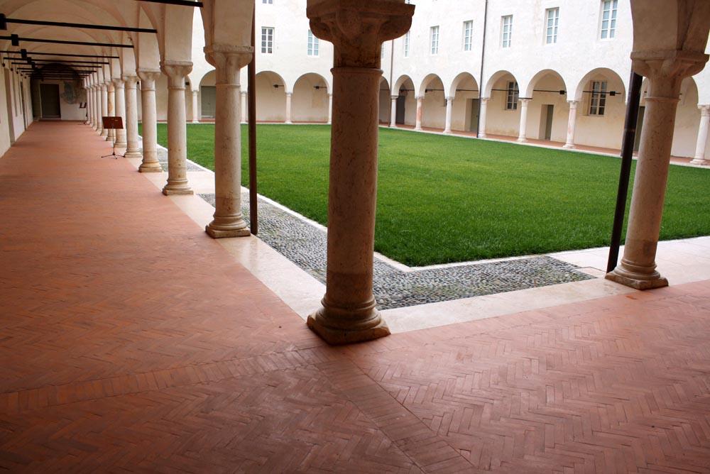 Chiostro maggiore del Conservatorio L.Campiani