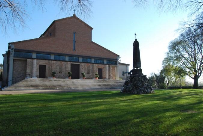 Volta_Mantovana-Chiesa_parrocchiale.jpg
