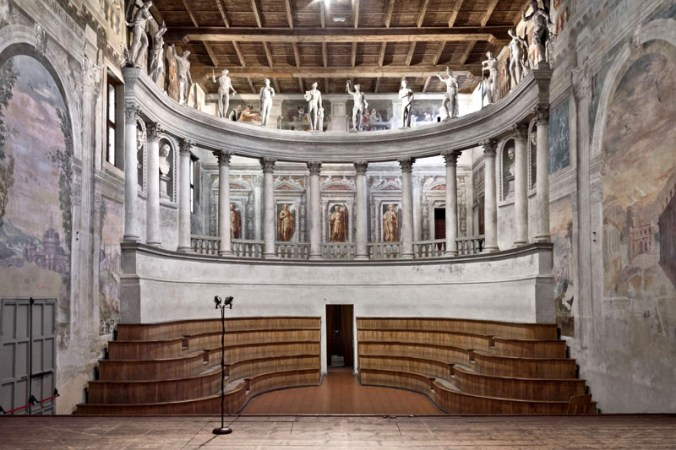 Teatro-allAntica-Sabbioneta.jpg
