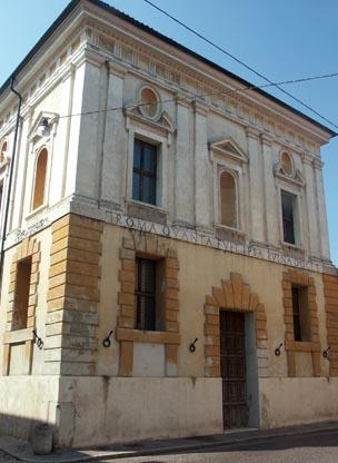 sabbioneta-facciata-del-teatro-allantica