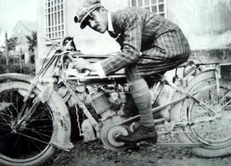 Tazio_Nuvolari su  NORTON SPORT H 16-1925.jpg