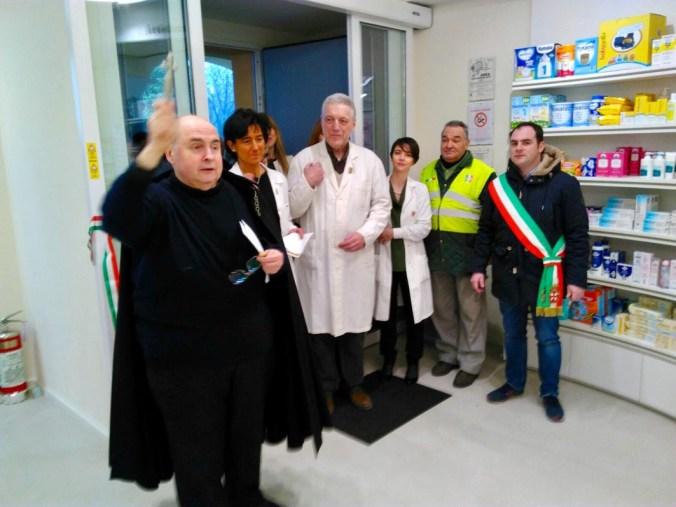 Inaugurazione farmacia 1.jpg