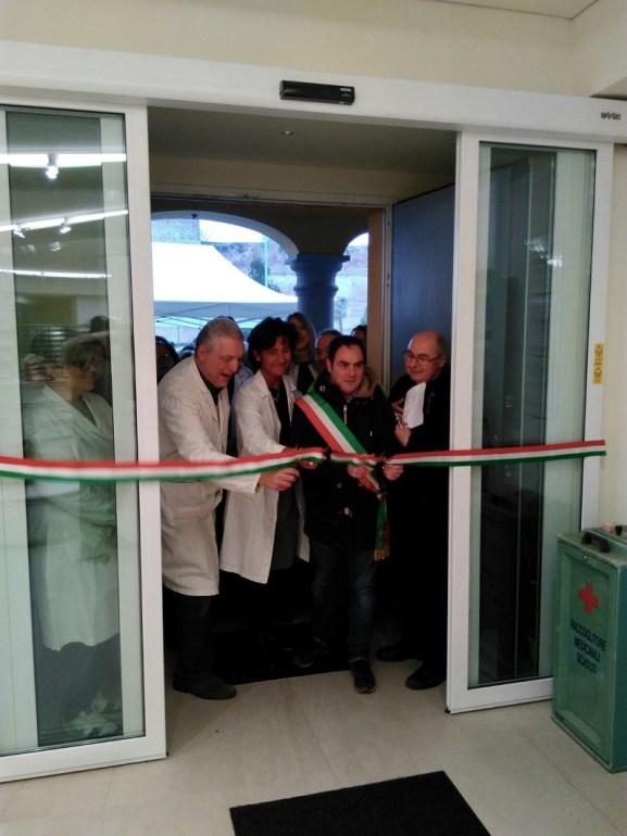 Inaugurazione farmacia.jpg