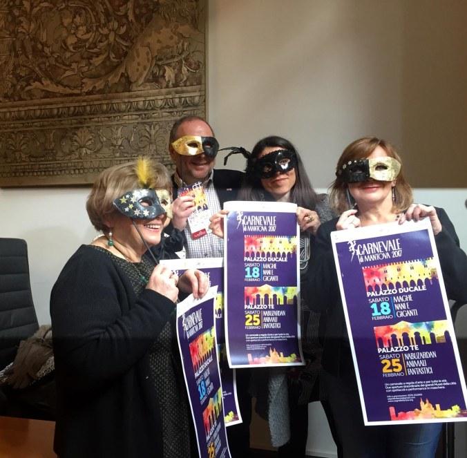 maschere-conferenza-stampa
